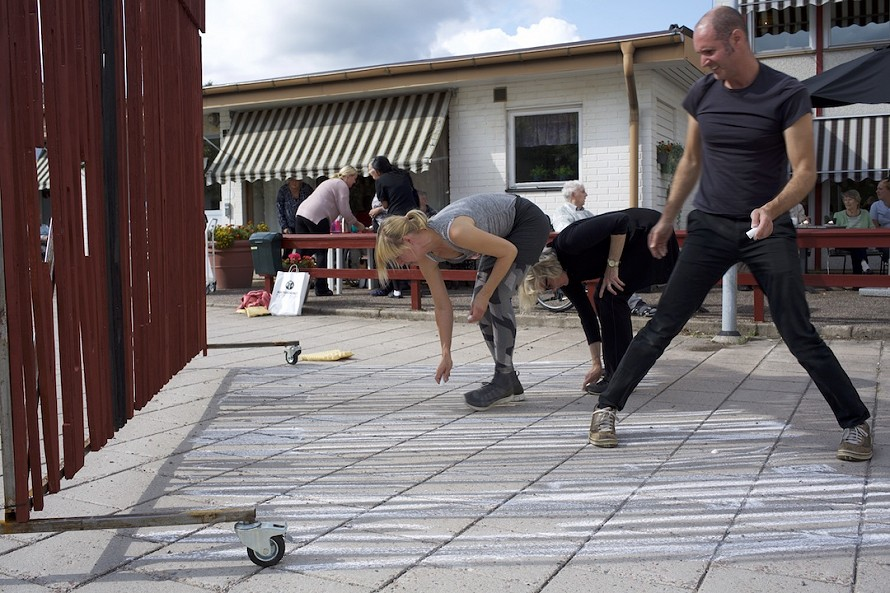 Sissi Westerberg, Daniel Peltz and Robyn Backen perform the shadow drawing at that the age care facility in Rejmyre.