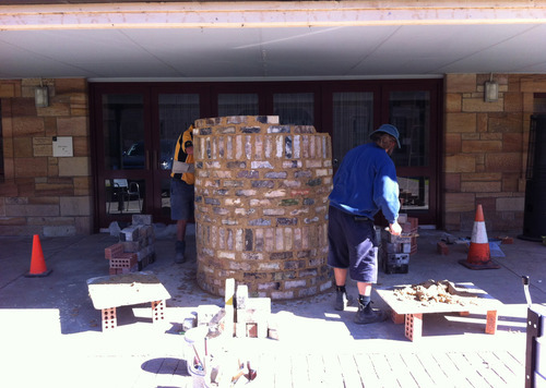 Bricklayers John and Robbie