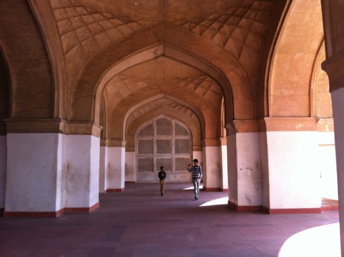 Akbar's Tomb - Agra is another site where the marvels of telephonic communication via the walls of a magnificent building can be experienced.